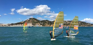 El CV Blanes inicia los acontecimientos deportivos del 75 aniversario con el Trofeo Primavera de Windsurf