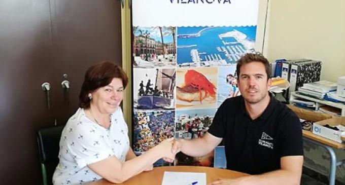 La Escuela la Arjau y el Club Náutico Vilanova firman un convenio por la actividad de Deporte Azul Escolar