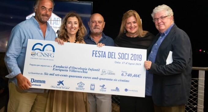 El CN Sant Feliu de Guíxols entrega un cheque de 6.740 euros a la Fundación de oncología infantil Enriqueta Villavecchia