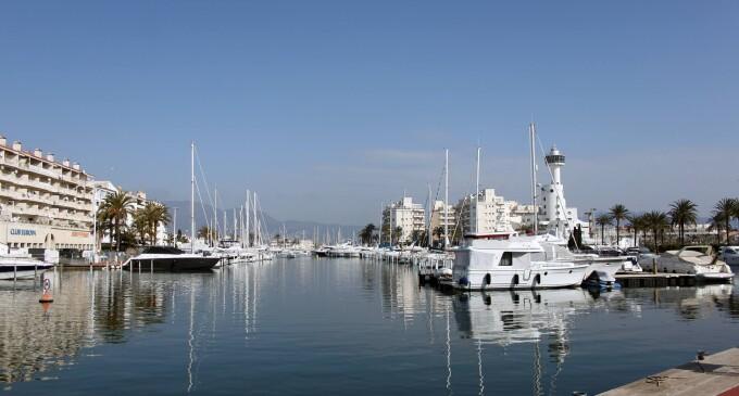 Los puertos deportivos y turísticos realizan servicios esenciales por lo que su actividad continúa, tras el nuevo Real Decreto 10/2020