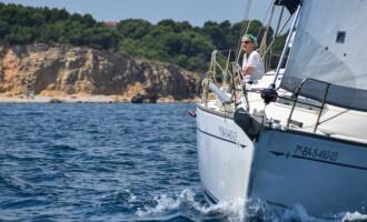 Prop de 20 navegants es donen cita a la Trobada de Velers del Club Nàutic l'Escala