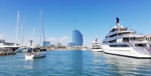 Marina Vela Barcelona red