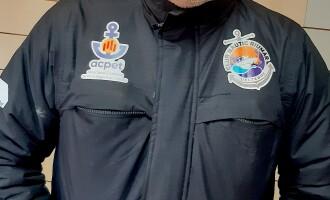 El Club Nàutic Riumar incorpora el logo de la Asociación Catalana de Puertos Deportivos y Turísticos (ACPET) en su equipación