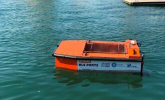 El Puerto de Badalona inicia un nuevo sistema de recogida de residuos con drones acuáticos